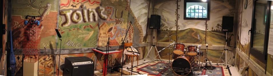 Panoramica della sala prove dell'associazione Il Portico Onlus di Dolo